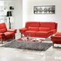 Phòng khách nổi bật và lung linh nhờ phối hai gam màu đỏ trắng